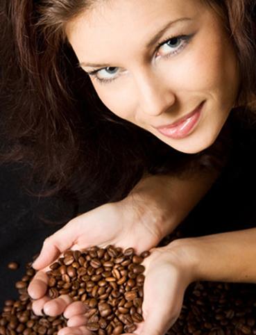 فوائد القهوة للشعر أفضل طرق التخلص من القشرة والتساقط والعناير بفروة الرأس